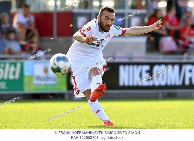 Jose RODRIGUEZ (FSV Mainz), Action, Single Action, Frame, Cut Out, Full Body, Whole Figure. 1.FSV FSV FSV Mainz 05-SSV Jahn Regensburg 1-2 on 21.07