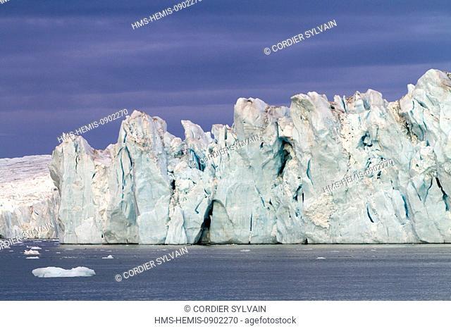 Norway, Svalbard, Nordaustlandet, Brasvell Glacier