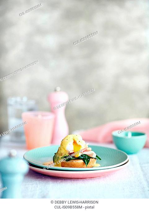 Eggs Benedict brunch