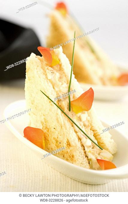 Mini de ventresca de bonito y mayonesa