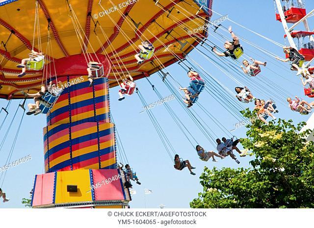 Navy Pier amusement ride Around the World  Chicago, Illinois, USA