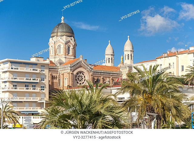 Basilica Notre Dame of Victoire, Saint-Raphael, Var, Provence-Alpes-Cote d`Azur, France, Europe