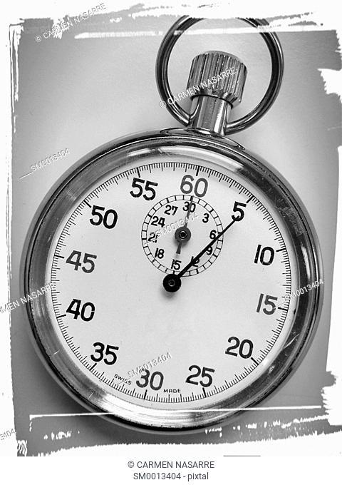 Analog stopwatch to measure time