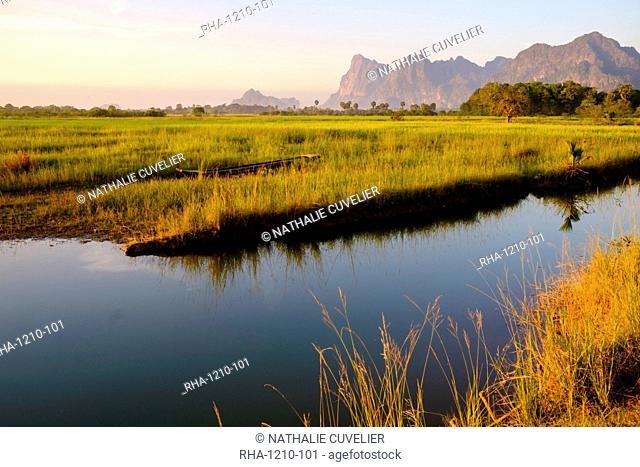Rice-field in karstic landscape, Hpa An, Kayin State (Karen State), Myanmar (Burma), Asia