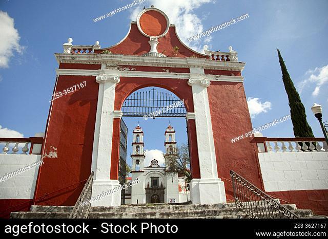 View to the Templo Del Santo Angel Custodio Church at the historic center, Puebla, Puebla State, Mexico, Central America
