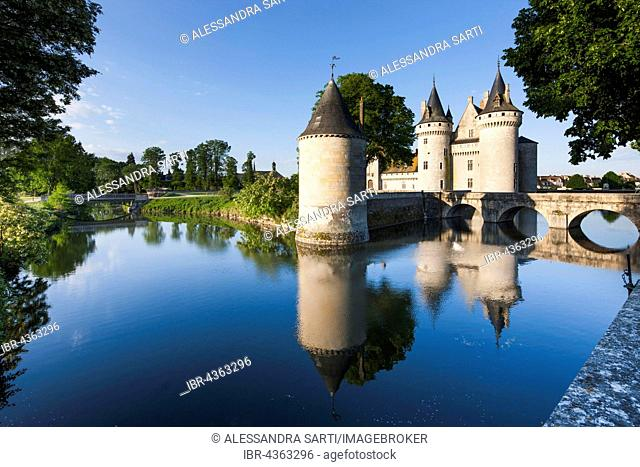 Moated castle, Castle Sully, Sully-sur-Loire, Loiret, Centre Region, France