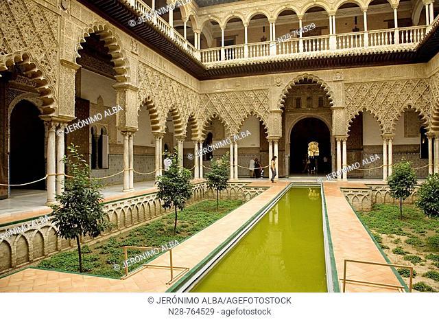 Patio de las Doncellas ('Courtyard of the Maidens'), Reales Alcazares, Sevilla. Andalucia, Spain