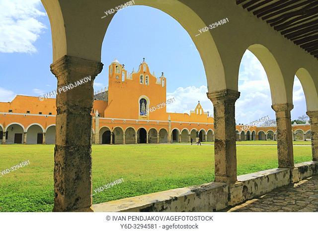 Izamal Monastery, Yukatan, Mexico