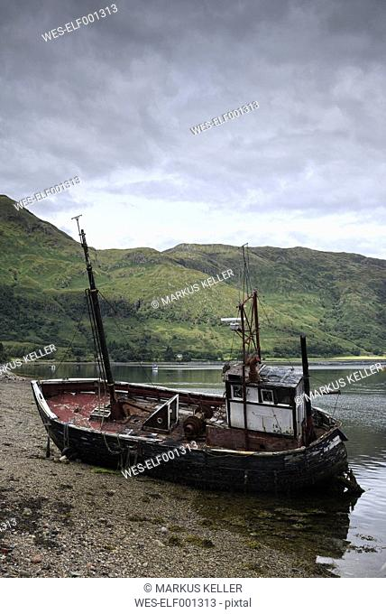 UK, Scotland, Isle of Mull, ship wreck at the shore of Ardgour