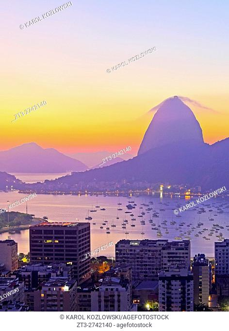 Brazil, City of Rio de Janeiro, View over Botafogo Neighbourhood towards the Sugarloaf Mountain at sunrise
