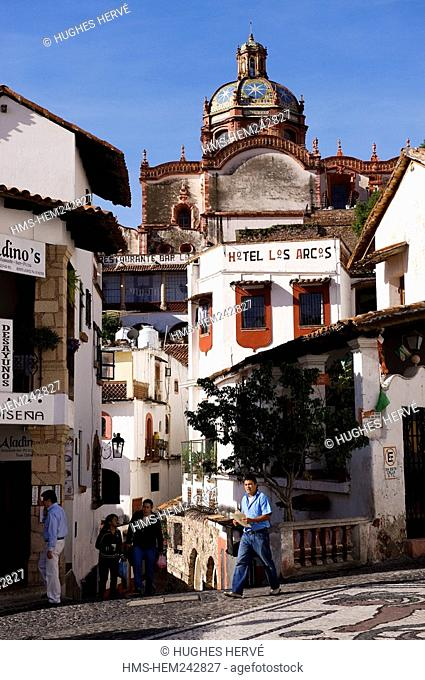 Mexico, Guerrero state, Taxco, alley of the old city