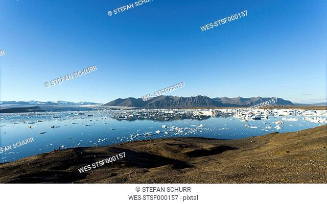 Iceland, Austurland, Jokulsarlon Glacial Lagoon near Vatnajokull National Park