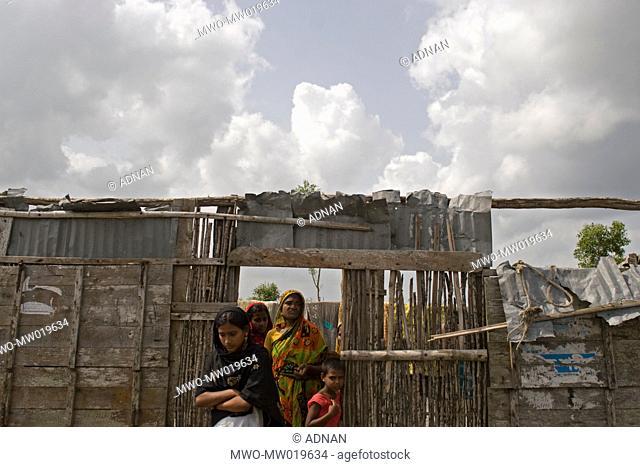A cyclone ravaged family, in Shyamnagar upazila, in Satkhira, Bangladesh May 28, 2009 Hurricane Aila struck the coastal areas of Bangladesh on May 25