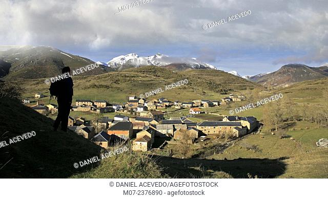 Torrebarrio village and landscpe, Babia region, Babia valley, Leon, Spain, Europe