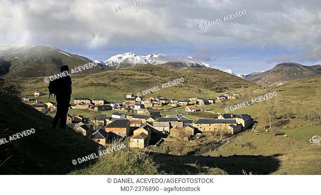 Torrebarrio village and landscpe, Babia region, Babia valley, Leon, Spain, Europe