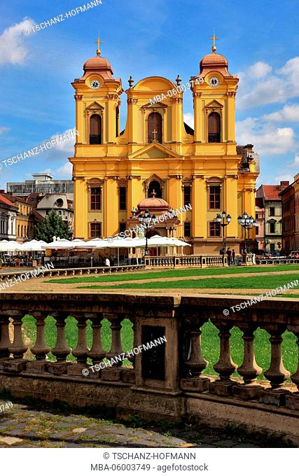 Romania, Banat, Timisoara, Temeschwar, Old Town, Catholic cathedral at the Piata Unirii, square, cathedral square