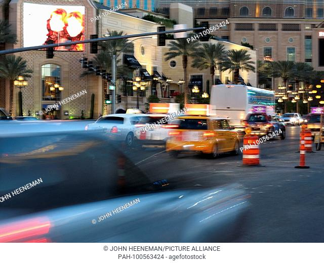 Las Vegas, Nevada , The Strip (Las Vegas Boulevard), United States of America,     October 2015 | usage worldwide. - Las Vegas/Nevada/United States of America