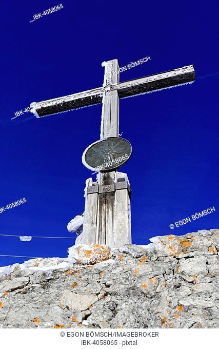 Summit cross, Nebelhorn, 2224m, Oberstdorf, Oberallgäu, Bavaria, Germany