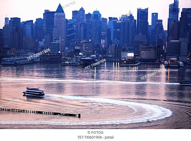 USA, New York State, New York City, Hudson River and skyline seen from New Jersey at sunrise