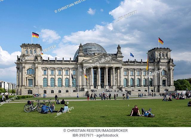 Reichstag, seat of the German parliament, Platz der Republik, Mitte, Berlin, Germany