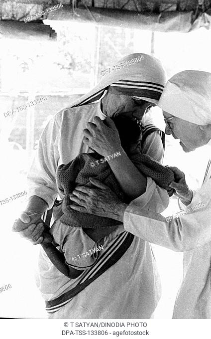 Mother Teresa with East Pakistani now Bangladesh refugee at Tripura ; India December 1971 NO MR