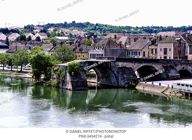 France, Center France, Burgundy, Pont-sur-Yonne, along the Yonne River, church bell and rooftop of the church, destroyed bridge