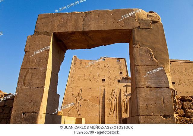 Temple of Horus. Edfu. Nile Valley. Egipt