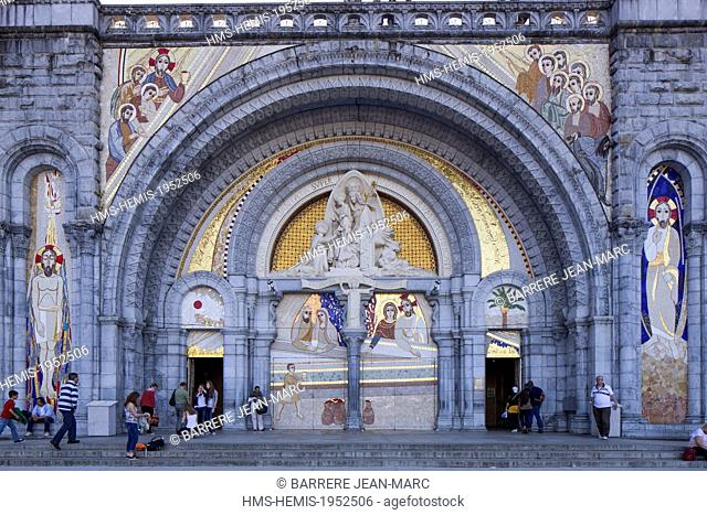 France, Hautes Pyrenees, Lourdes, Sanctuary of Our Lady of Lourdes, Rosary Basilica