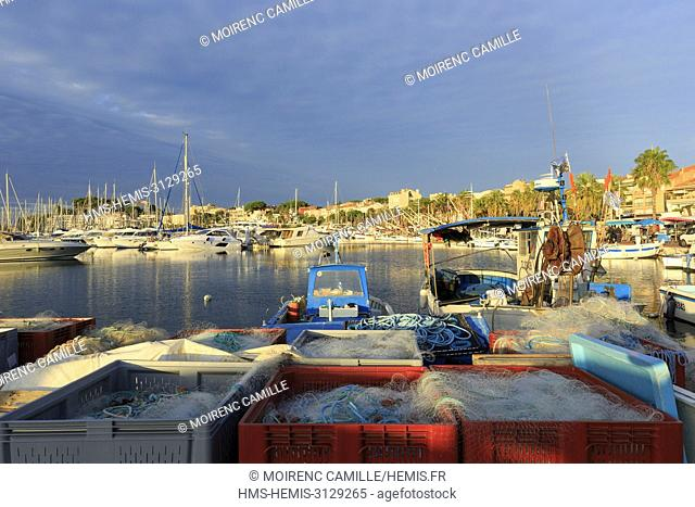 France, Var, Bandol, quai Charles de Gaulle, the port
