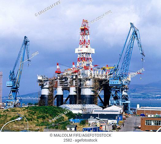 Construction of semi sumersible oil rig. Glasgow. Scotland
