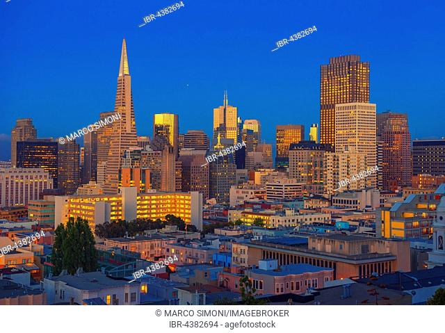 City centre and Transamerica Pyramid, San Francisco, California, USA