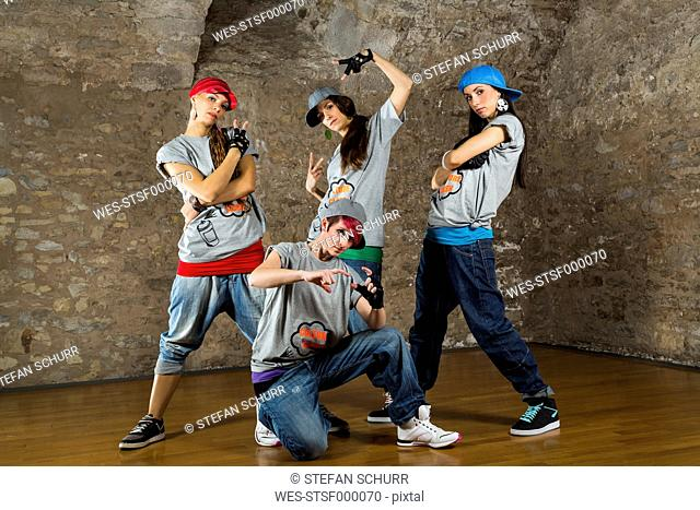 Women performing hip hop style