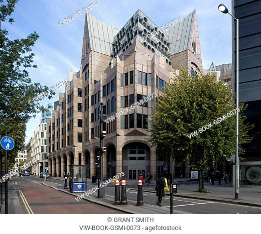 CITY OF LONDON, MINSTER COURT, GMW PARTNERSHIP, 1991, HOME OF THE LONDON UNDERWRITING CENTRE, MOST NOTABLE FOR THE GOTHIC REFERENCES
