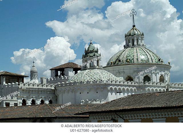 Cathedral. Quito. Ecuador/ Catedral de Quito. La Catedral de Quito tiene su antecedente mas remoto en la pequeña iglesia techada con palma del siglo  XVI en los...