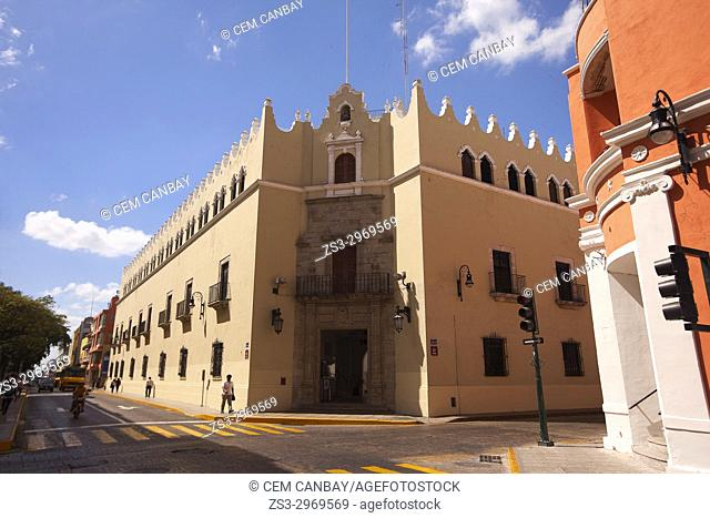 Vew to the Univercity Of Yucatan-Universidad De Yucatan in the historic city center, Merida, Yucatan State, Mexico, Central America