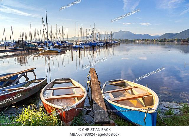 Shore of the Chiemsee in Prien, Chiemgau, Upper Bavaria, Bavaria, Southern Germany, Germany, Europe