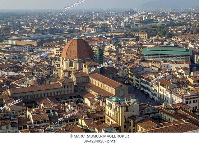 View over the city with Basilica di San Lorenzo and market halls, Florence, Tuscany, Italy