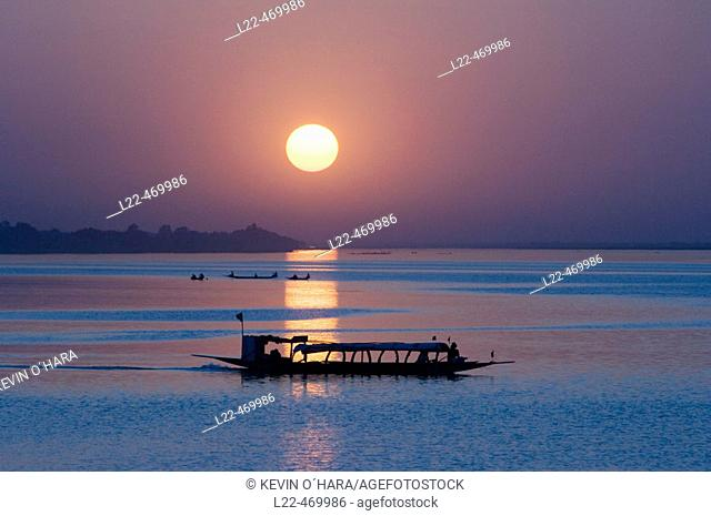Sunset on the river Niger, Segou city, Mali, Africa
