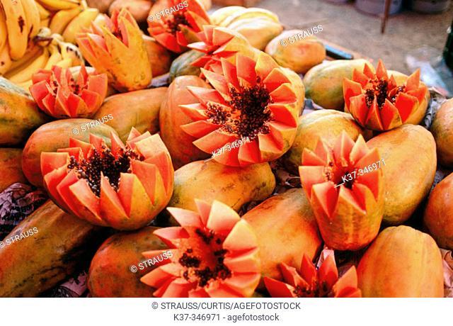 Papayas. Open air market. San Miguel de Allende. Mexico