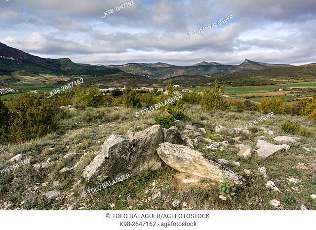 Dolmen de la Capilleta, III milenio antes de Cristo, ruta de los megalitos del alto Aragon, Paúles de Sarsa, Provincia de Huesca, Comunidad Autónoma de Aragón
