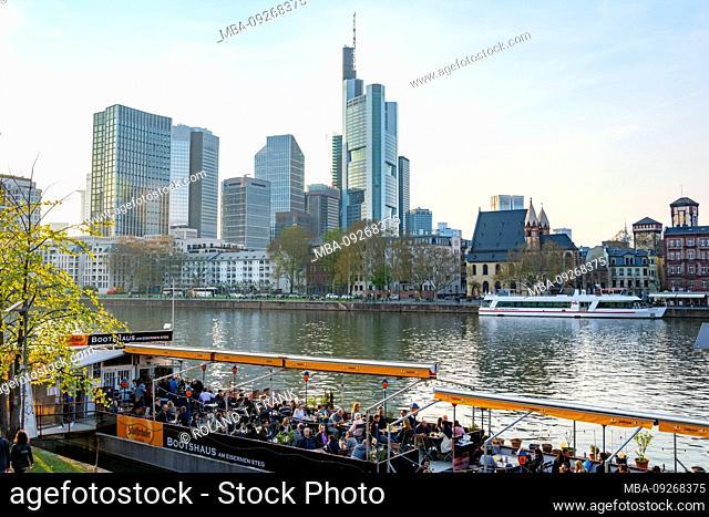 Germany, Hesse, Frankfurt, Frankfurt skyline, gastronomy on the Main