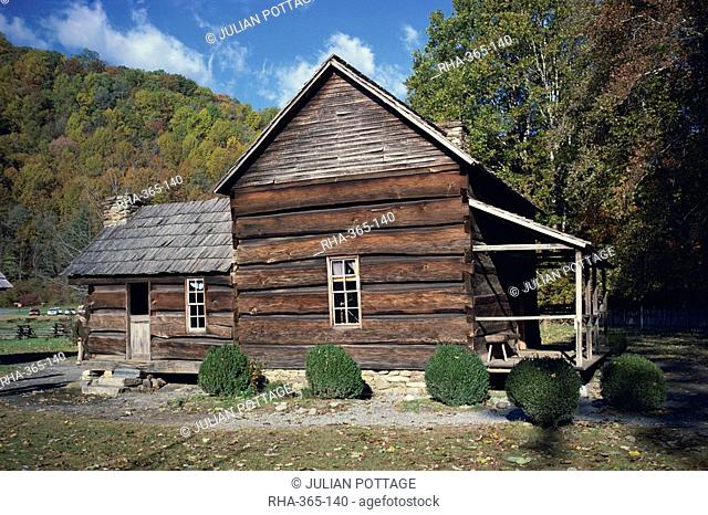 Wooden pioneer farmstead house at Oconaluftee, Great Smoky Mountains, North Carolina, United States of America, North America