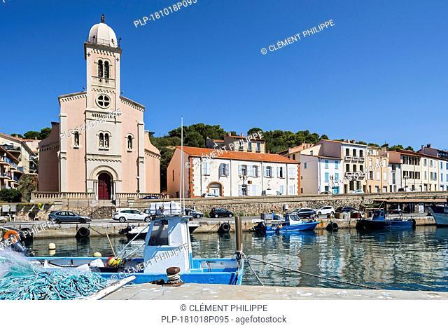 Église Notre-Dame de Bonne Nouvelle church at Port-Vendres, Mediterranean fishing port along the Côte Vermeille, Pyrénées-Orientales, France