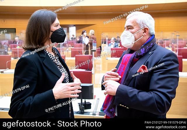 27 January 2021, Bavaria, Munich: Ilse Aigner (CSU), president of the Bavarian state parliament, and Ludwig Spaenle, anti-Semitism commissioner of the Bavarian...