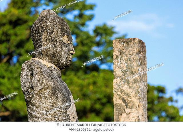 Buddha image at the Ruins of the Atadage Dalada Maligaya built by King Vijayabahu I (1070-1110). The Quadrangle, Ancient City of Polonnaruwa