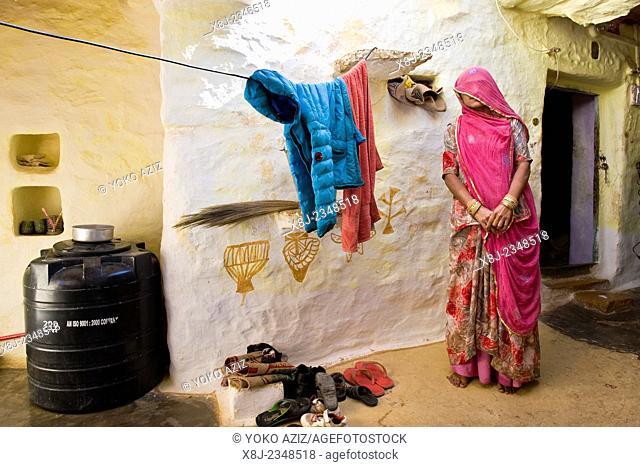 India, Rajasthan, Jaisalmer, woman at home