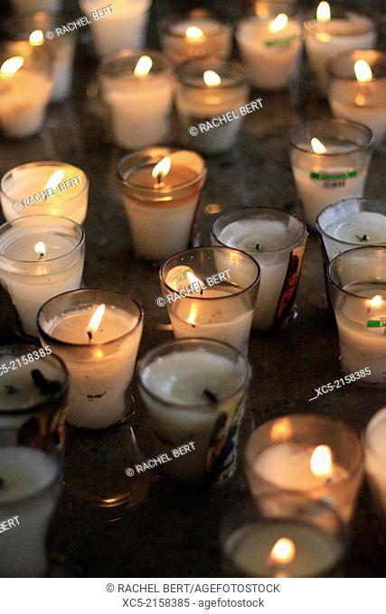 Candles in a church, Repúplica Dominicana