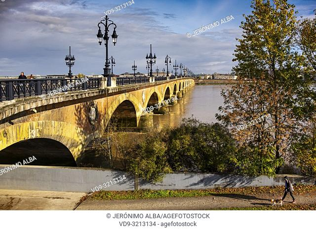 Pont de Pierre. Stone Bridge & Garonne River. Bordeaux, Gironde. Aquitaine region. France Europe
