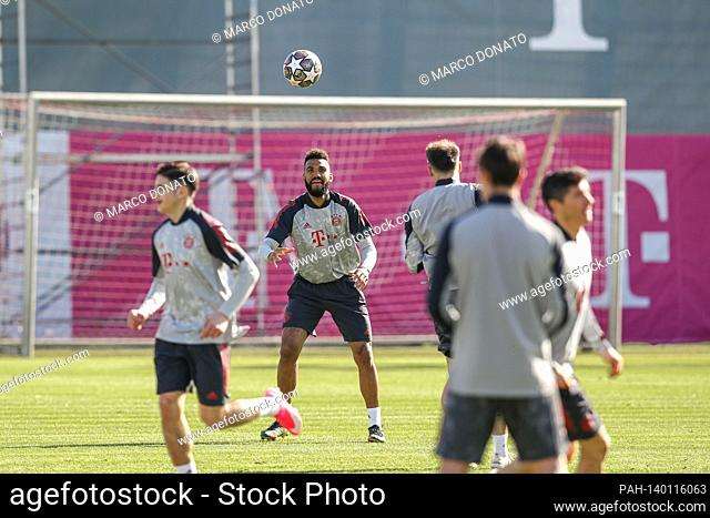 Eric Maxim Choupo-Moting (FC Bayern Munich) on the ball, final training before the CL game Lazio Rom-FC Bayern Munich. Soccer Champions League round of 16