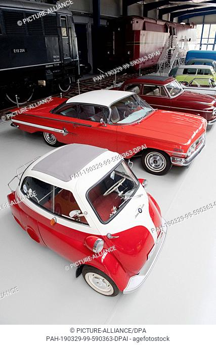 05 March 2019, Mecklenburg-Western Pomerania, Prora: A BMW Isetta and a Chevrolet Impala, built in 1960, are on display at the Oldtimer Museum Rügen